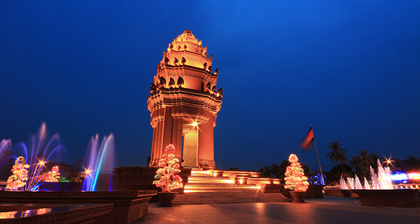 independence-monument-phnom-penh-